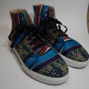 Phuyupata Peruvian unique tribal high top sneaker
